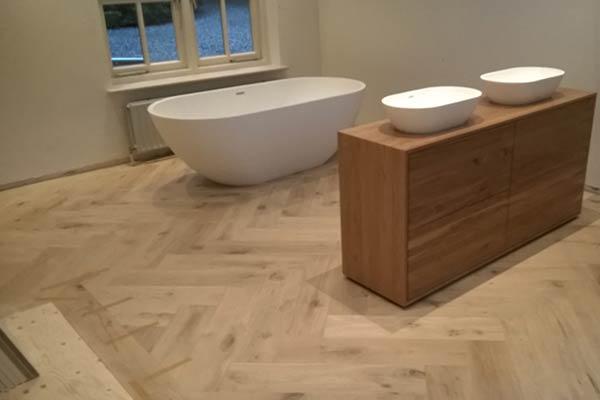 Keuken Badkamer Vloeren : Geoliede vloer keuken